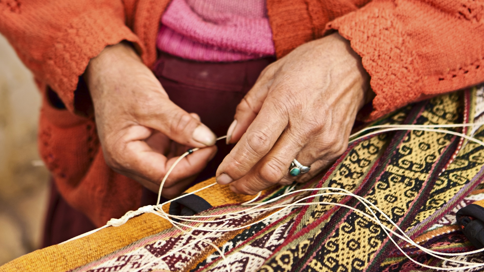 hands-sewing-1600x900